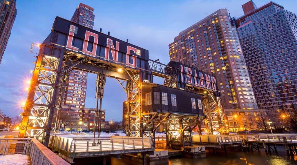 Long Island Bridge in Long Island, New York