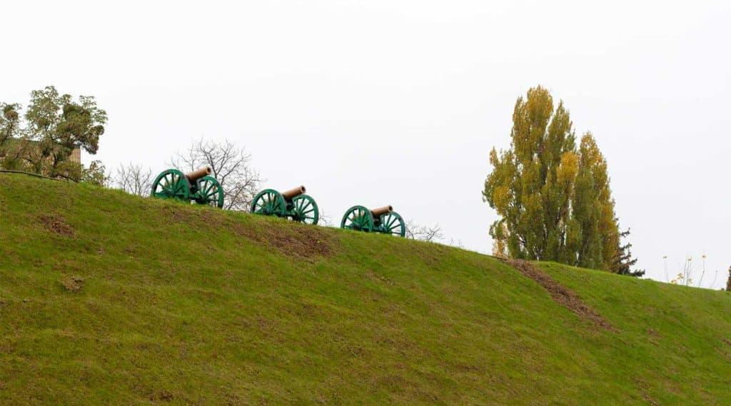 cannons on a hilltop near Yorktown, New York