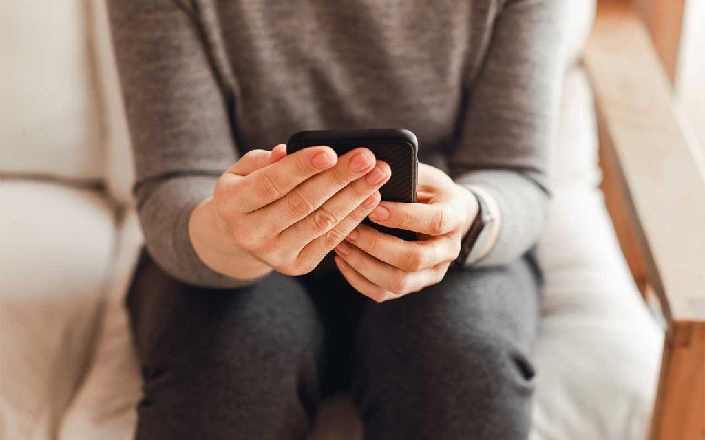 Online Opioid Support Forums   Benefits & Risks
