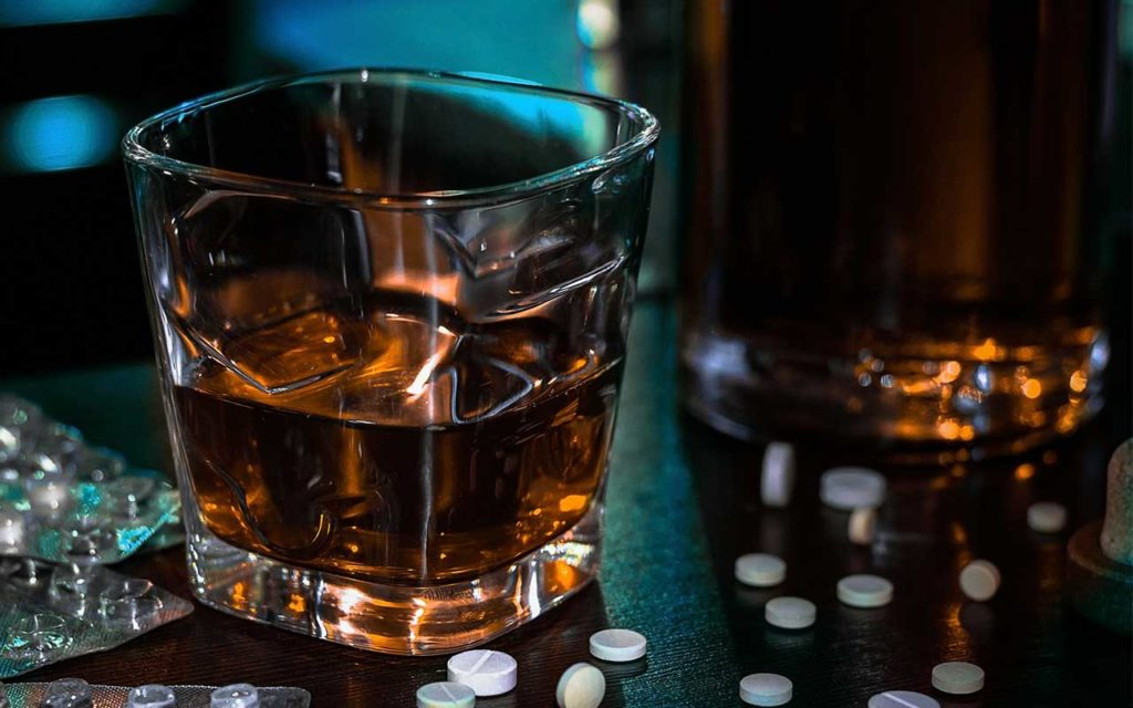 Opioids And Alcohol | The Dangers Of Mixing Opioids & Alcohol
