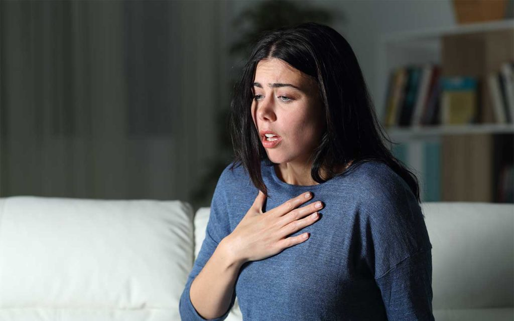 Generalized Anxiety Disorder (GAD) & Addiction   Symptoms, Risk Factors, & Dual Diagnosis Treatment